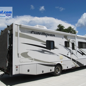 Class-C-Funmover-Toy-Hauler-with-FlexArmor-rv-roof